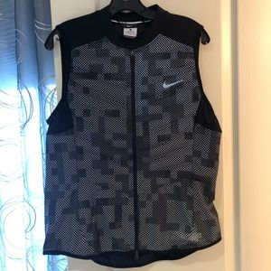 Light weight Nike vest